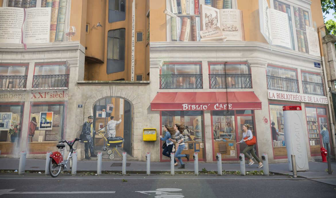 Mural on the side of Lyon's library